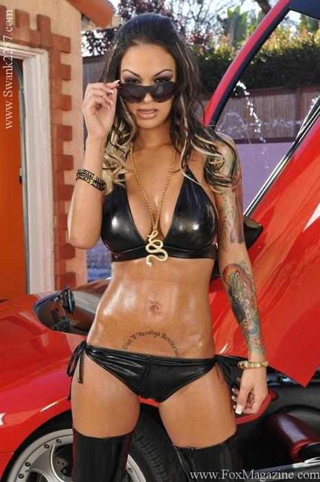 Смотреть порно фото - Angelina Valentina бесплатно.