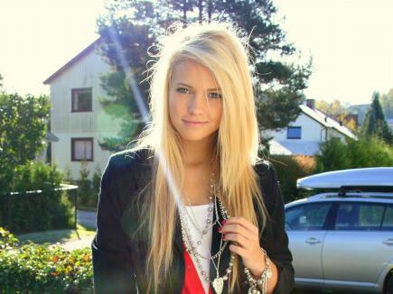С блондинкой фото 38379 фотография