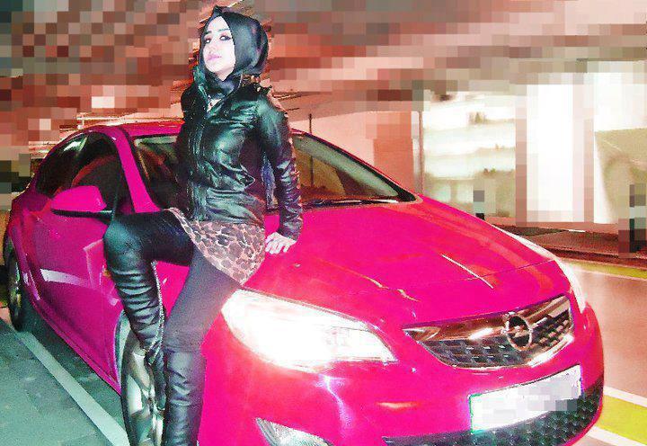 Amı yanan türbanlı suriyeli kadın  Sürpriz Porno Hd Türk