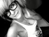 gözlük takan kız